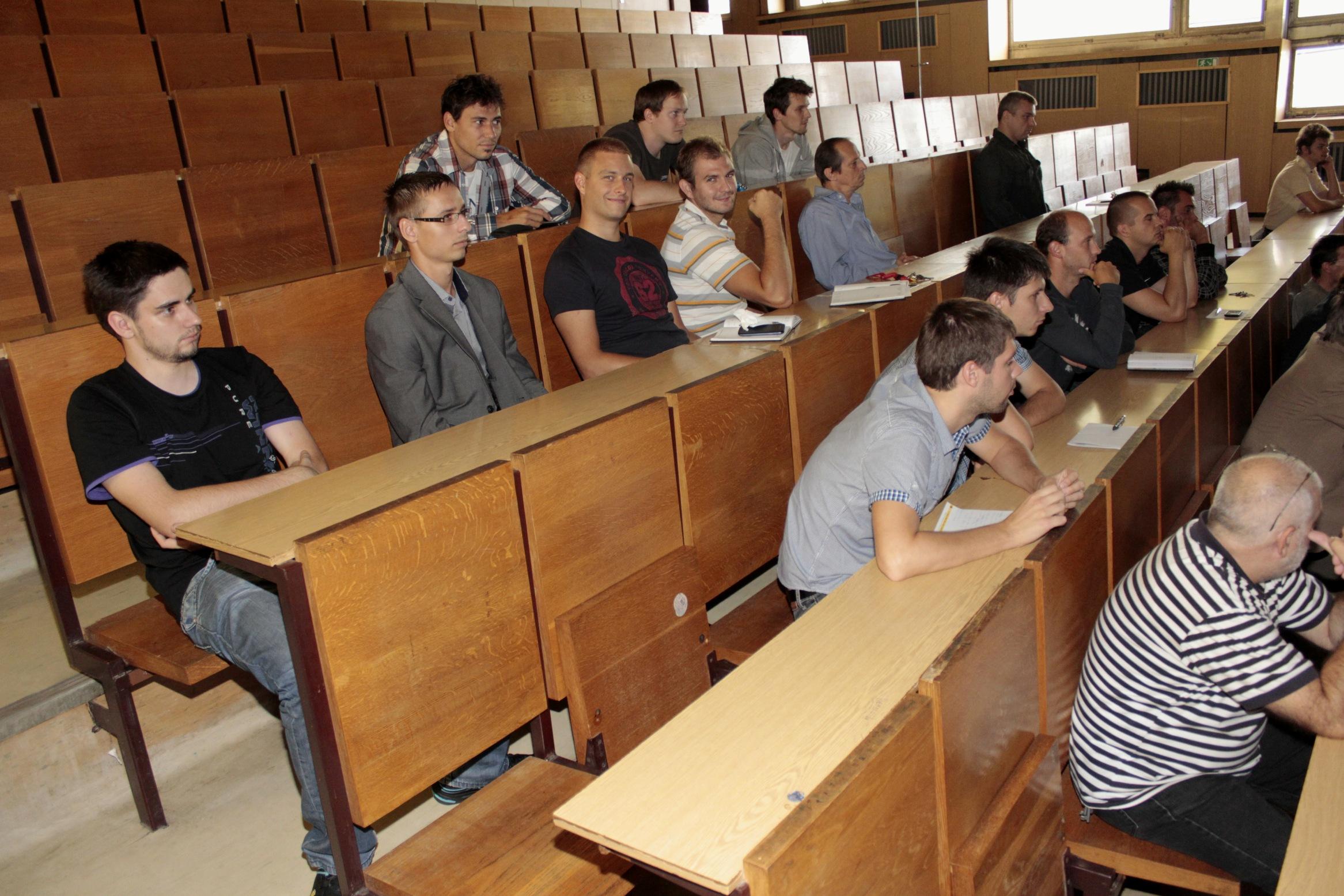 Prvé stretnutie zamestnancov a doktorandov 10.9.2013